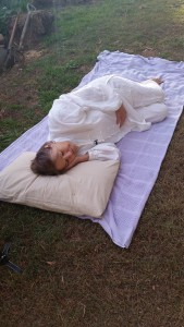 Qigong self healing sleeping posture